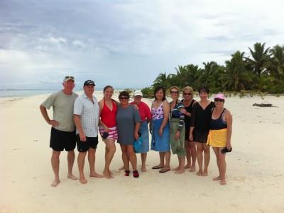 Group Photo Honeymoon Is, Aitutaki Lagoon
